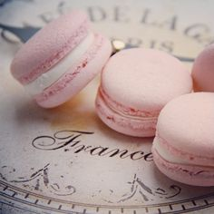 M a c a r O n s~~ yes! Maybe from Ladurée?