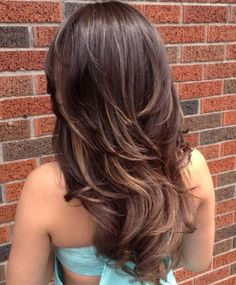 Have no new ideas about layered hair styling? Find out the latest and trendy layered hairstyles and haircuts in Check out the ideas at TheRightHairstyles. Long Curly Layers, Haircuts For Long Hair With Layers, Long Layered Haircuts, Short Layers, Short Cuts, Long Hair V Cut, Wavy Hair, New Hair, Thick Hair