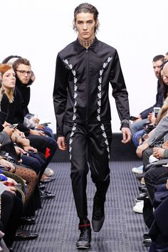 J.W. Anderson Fall/Winter 2016/17 - London Collections: MEN - Male Fashion Trends