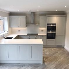 One of the completed kitchens from a luxurious development we've been working . One of the completed kitchens from a luxurious development we've been working on in Surrey ✨ Luxury Kitchen Design, Kitchen Room Design, Kitchen Layout, Home Decor Kitchen, Kitchen Interior, New Kitchen, Home Kitchens, Kitchen On One Wall, Shaker Kitchen