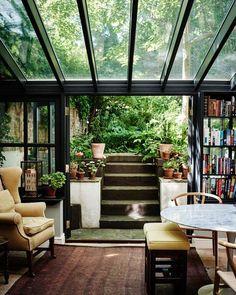 intérieur, déco : séjour, Bridie Hall's House, vitrage, NZ House & Garden, avril 2016, photo Catherine Gratwicke: