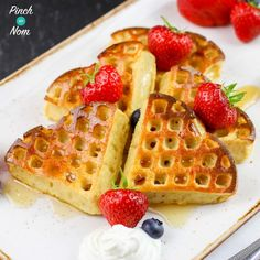 These Syn Free Strawberry & Vanilla Waffles are a fab Slimming World breakfast idea. It's a great way to start the day with super speed fruit too!