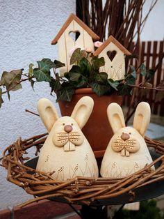 Keramická dílna Hliněnka Felt Crafts, Diy And Crafts, Arts And Crafts, Ceramic Animals, Ceramic Art, Clay Projects, Projects For Kids, Pinch Pots, Biscuit