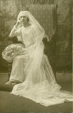 Mi abuela materna el día de su boda. Barcelona, 1923.