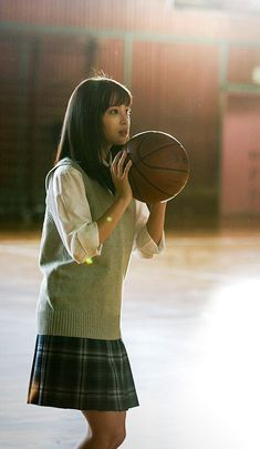 School Girl Japan, School Uniform Girls, High School Girls, Japan Girl, Japanese Uniform, Body Poses, Cute Beauty, Japanese Models, Girl Poses