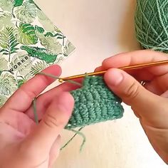 howto crochet workshop tutorialThe row begins with two air loops, then the thread is wrapped around the hook several times at your discretion: the height and density of your column depend on it). Crochet Stitches Patterns, Crochet Motif, Knitting Stitches, Crochet Designs, Crochet Crafts, Crochet Yarn, Crochet Flowers, Crochet Projects, Free Crochet