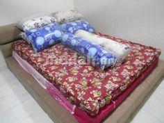 Condition: New Price: RM 150    Produk = Tilam Kekabu(Baru)  Size = Queen Bed  Tebal = 5 inci  Color = Maroon/Biru/Purple/Hijau  Material = Kekabu + Benang Kapas  Price = RM150/Unit (Tak Perlu Deposit!)