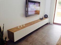 Ikea combinación Besta color efecto nogal tinte gris con puertas Lappviken en blanco :-)