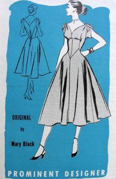 1950s EVENING DRESS PATTERN FIGURE MOLDING STYLE SHAPED NECKLINE 5722a49bd20