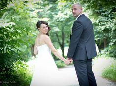 Fotos am schönsten Tag des Lebens - ich als Traumfänger mit meinem Brautpaar im Grünen unterwegs.