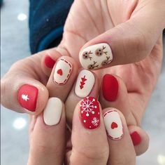 Xmas Nail Art, Christmas Gel Nails, Christmas Nail Art Designs, Holiday Nails, Easy Christmas Nail Art, Christmas Makeup, Christmas Design, Nail Designs For Winter, Cool Easy Nail Designs