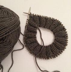Lue og hals til ettåring – Strikk byBernsen Baby Barn, Baby Knitting Patterns, Drops Design, Diy And Crafts, Knit Crochet, Crochet Earrings, Quilts, Blog, Accessories