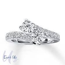 Forever Us ring I would love this!  One day soon I will be engaged to the love of my life