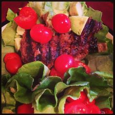 Lunch and 21 day fix approved. 1 red, 1 green and 1 blue.  Grilled burger, wrapped in bib lettuce, avocado and tomato. This was amazing!  #fireupthegrill #21dayfix #beachbodycoach #beachbodyfamily #motivation #fit #fitgirl #fitness #fitwomen #weight #portioncontrol #bibletttuce #beef #believe #iwantohelpyou #lunch #monday #picoftheday #t25 #beachbodycoachsummit2014 #carldaikeler