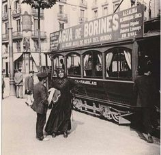 Tranvia a la Rambla. Antique Pictures, Old Photos, Black And White, Antiques, Life, Portugal, Vintage Pictures, B W Photos, Old Photography