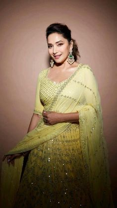 Bollywood Saree, Bollywood Actors, Bollywood Fashion, Ethenic Wear, Yellow Lehenga, Ghagra Choli, Indian Embroidery, Madhuri Dixit, Saree Blouse Designs