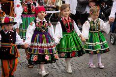 Folk Costume, Costumes, World 2020, Little Miss, Polish Girls, Harajuku, Kids Fashion, Crochet Patterns, Old Things