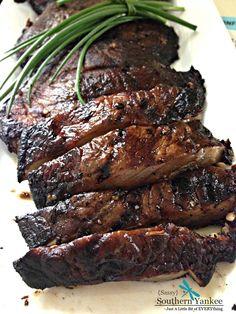 Vegan Balsamic Garlic Grilled Portobello Mushrooms // | The Green Loot #vegan #MeatlessMonday #dairyfree