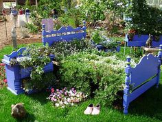 Upcycle in the Garden 1: Old furniture turned into planters