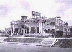 Construida en 1927, a instancias del empresario catalán Ricardo Banús,   la Cervecería Munich fue el punto neurálgico de la vida veraniega y paseante de los porteños en la Costanera Sur