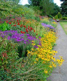 butchart+gardens+english+cottage+garden | Perennial gardens/flowers - a gallery on Flickr