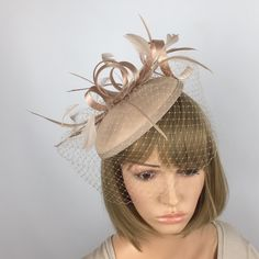 Nude and natural! Visit Pretty for all your fascinating needs. Hair Fascinators, Pink Fascinator, Fascinator Hairstyles, Ladies Hats, Hats For Women, Fasteners, Charlotte, Nude, Trending Outfits