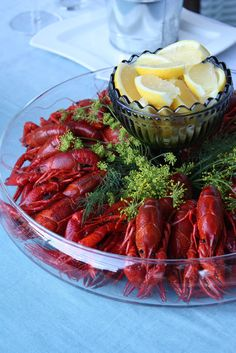 Rapujuhlien menu Crab Boil Party, Lobster Party, Lobster Boil, Seafood Party, Seafood Boil, Scandinavian Food, Garden Parties, Crochet Needles, Fish Dishes