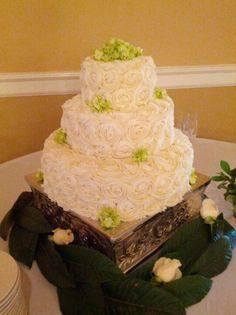 blueberry wedding cake | Lemon blueberry wedding cake