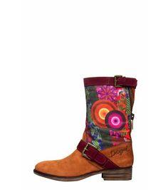 ☯☮ॐ American Hippie Bohemian Style ~ Boho Boots! Boots Boho, Casual Boots, Estilo Hippie Chic, Estilo Boho, Look Rock, Boho Fashion, Fashion Shoes, Fashion Accessories, Rock Vintage