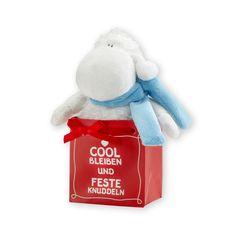 Endlich eine coole Version des britischen Klassikers! Dieses süße Plüschtiere in der Geschenktüte ist das ideale Mitbringsel für Freunde und Freundinnen! http://sheepworld.de/shop/Winter-14-15/Pluesch-Cool-bleiben.html
