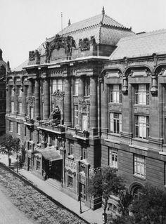 Liszt Ferenc tér 8., Zeneakadémia (Liszt Ferenc Zeneművészeti Egyetem, korábban: Főiskola).