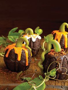 Halloween Cupcake Ideas - Recipes for Halloween Cupcakes - Country Living#slide-4