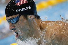 El estadounidense Michael Phelps ganó la final de los 200 metros combinados, en lo que significó su primera medalla de oro individual en estos Juegos Olímpicos, donde tiene otra de oro en equipo y dos de plata. El Tiburón de Baltimore llegó a 20 preseas, 16 de las cuales son doradas.