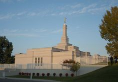 An exterior view of the Bismarck North Dakota Temple in the afternoon.