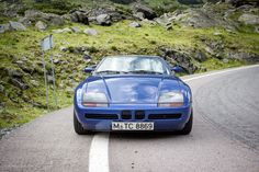 Test driving and admiring the pillar-less coupe and the door-less wonder. Bmw Z1, Bmw Cars, Looking Back, Classic, Vehicles, Cutaway, Derby, Rolling Stock, Classical Music