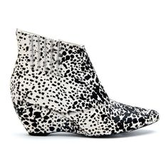 Matisse Footwear brings fashion and art to life with shoes, boots, sandals, heels and footwear for the modern Women