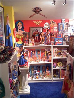 Love this Wonder Woman room! Maybe one day mine will look like this!!!