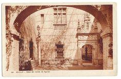la Casa Palacio Guardiola se remonta al siglo XIX, en pleno romanticismo sevillano, cuando D. Andrés Parladé y Sánchez de Quirós, Conde de Aguiar, Delegado Regio de Bellas Artes y Delegado-Director de las excavaciones de Itálica, la manda construir.