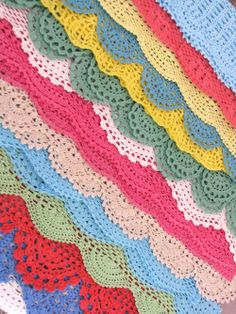 Links to pattern for 7 vintage crochet edges.