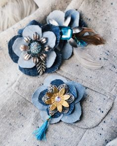 Denim reinvented here, in the form of cute bloom brooches! Pins and brooches are trending for fall and winter style, so why not make your very own out of recycled blue jeans? Adding rhinestones and filigree components really dresses these pieces up. They are super easy to make (cutting and gluing) yet look super chic …