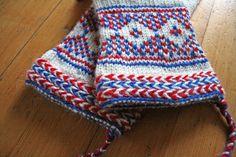 Ravelry: Helene's Vott fra Sør-Varanger (page Fingerless Mittens, Knit Mittens, Knitted Gloves, Wrist Warmers, Hand Warmers, How To Start Knitting, Twine, Hand Knitting, Knit Crochet