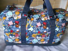 Le #Sac weekend Boston, version Pirate qu'Emilie a cousu pour son fils de 4 ans 1/2 ! Patron de #couture Sacôtin