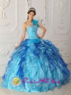 http://www.fashionor.com/Cheap-Quinceanera-Dresses-c-6.html  2015 Fuchsia chic…