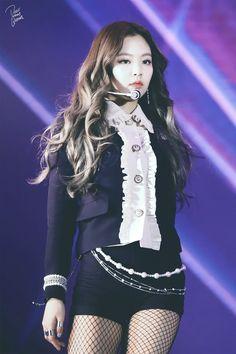 © Dear my Queen - blackpink jennie Blackpink Jennie, Blackpink Outfits, Stage Outfits, Blackpink Fashion, Korean Fashion, Kpop Girl Groups, Kpop Girls, K Pop, Korean Girl