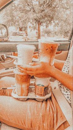 Aesthetic Coffee, Peach Aesthetic, Aesthetic Themes, Summer Aesthetic, Aesthetic Food, Aesthetic Vintage, Aesthetic Photo, Aesthetic Pictures, Starbucks Recipes