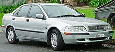 2000-2002 Volvo S40 2.0 sedan (2011-11-17).jpg