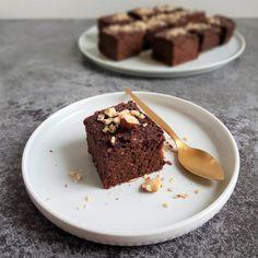 Brownie z batatów - roślinny deser | littlehungrylady.pl Snack Recipes, Snacks, Eat, Food, Snack Mix Recipes, Appetizer Recipes, Meals, Treats, Finger Food