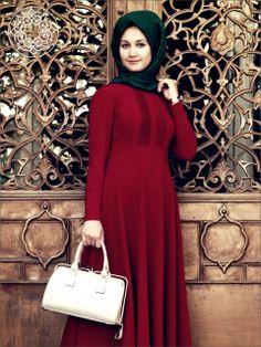 http://www.belginmoda.com/Bordo-Nervurlu-Elbise,PR-502.html Pınar Şems Bordo Nervürlü Elbise