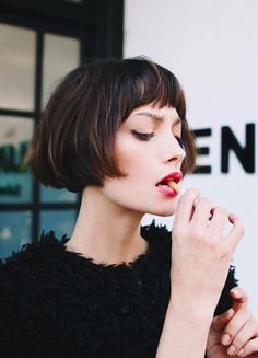 Classic Brunette Balayage - 20 Inspirational Long Choppy Bob Hairstyles - The Trending Hairstyle Short Bob Hairstyles, Vintage Hairstyles, Trendy Hairstyles, Haircut Short, Bob Haircuts, Short Bangs, Haircut Style, Short Bob With Fringe, Braid Hairstyles