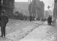 Freeman Press and Telegraph after the 1916 Rising, Dublin, Ireland Dublin Street, Dublin City, Ireland 1916, Dublin Ireland, Old Pictures, Old Photos, Easter Rising, Historical Photos, Irish